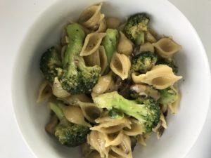 Quick Veggie Pesto Pasta